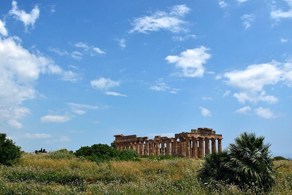 Scorcio del sito archeologico di Selinunte (Ag), il tempio E (tempio di Hera o Afrodite)