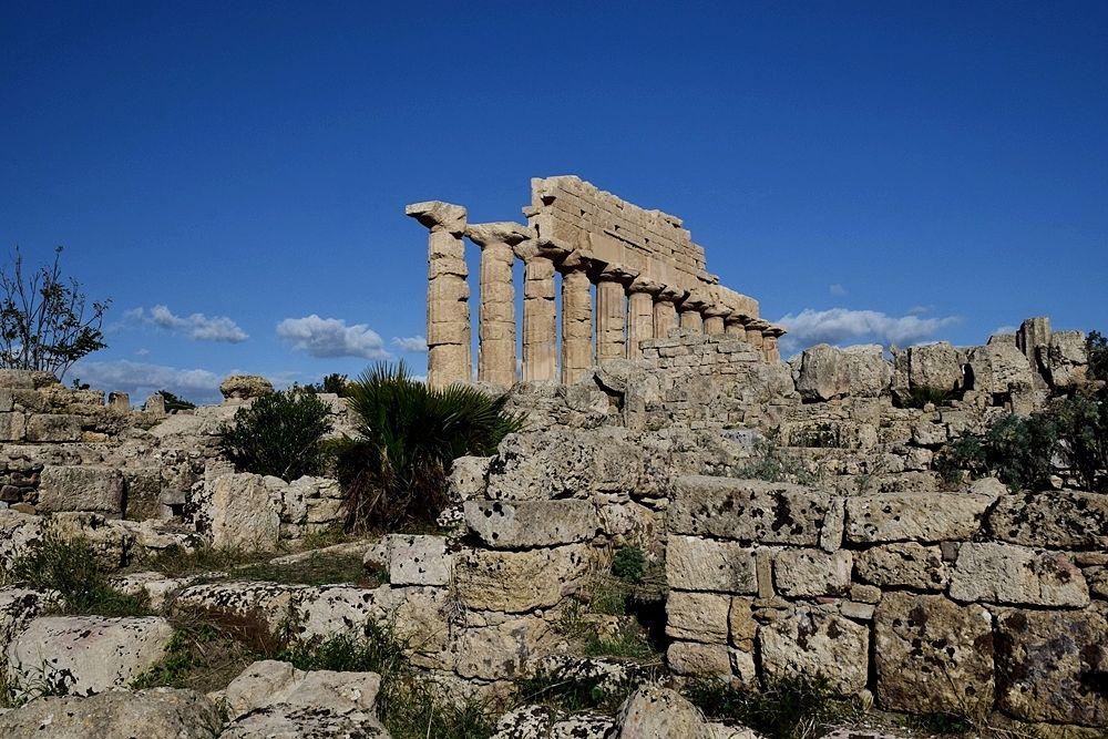 Il tempio C nell'acropoli di Selinunte (Castelvetrano, Trapani)