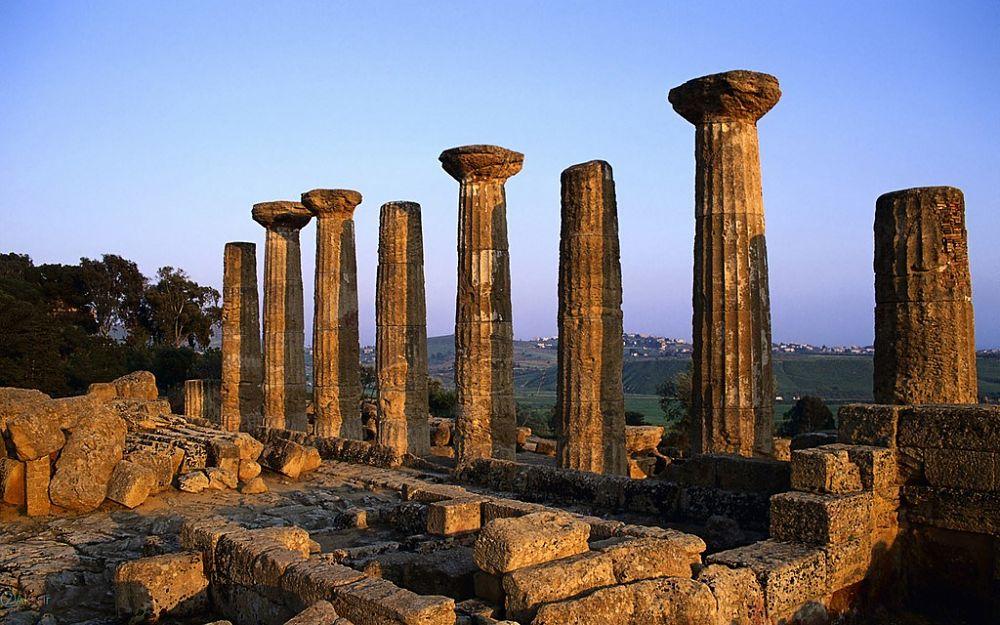 Colonne del Tempio di Eracle, Valle dei Templi, Agrigento - Ph. Mohammad Hemati