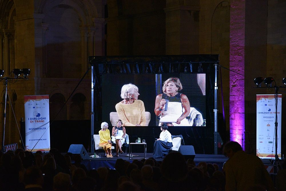 Helen Mirren sul palco de ''I Dialoghi di Trani''