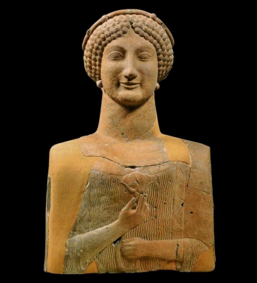 Busto votivo di divinità femminile dalla polis magno-greca di Μέδμα, terracotta, VI sec. a.C., Museo Archeologico, Rosarno (Reggio Calabria)