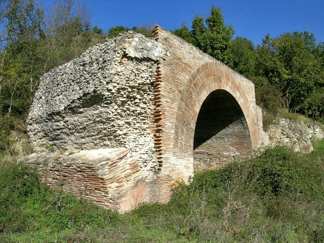 Ponte delle Chianche, l'arcata ricostruita negli anni '80 del Novecento