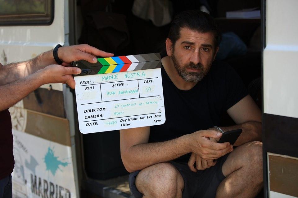 Lorenzo Scaraggi durante la lavorazione del documentario