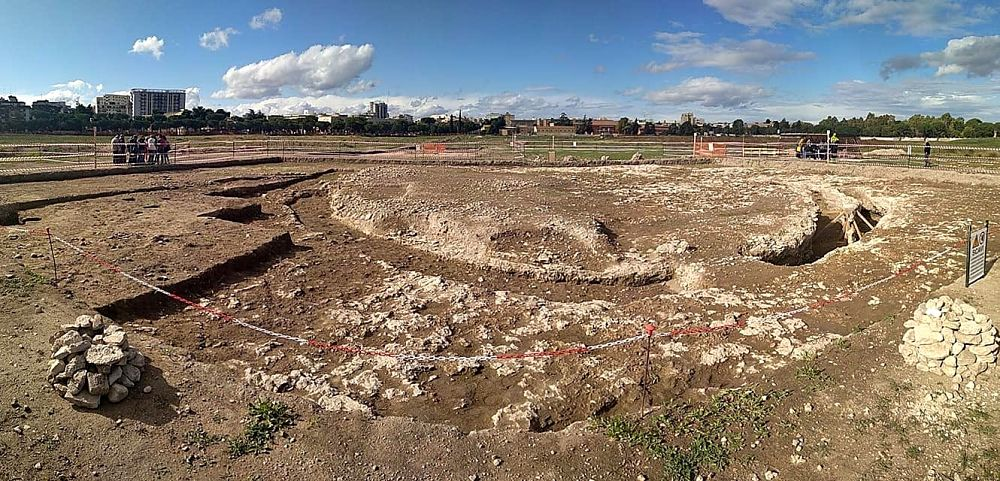 Scorcio dell'area archeologica neolitica dei Campi Diomedei, Foggia, 6000 a.C. - Image by Campi Diomedei