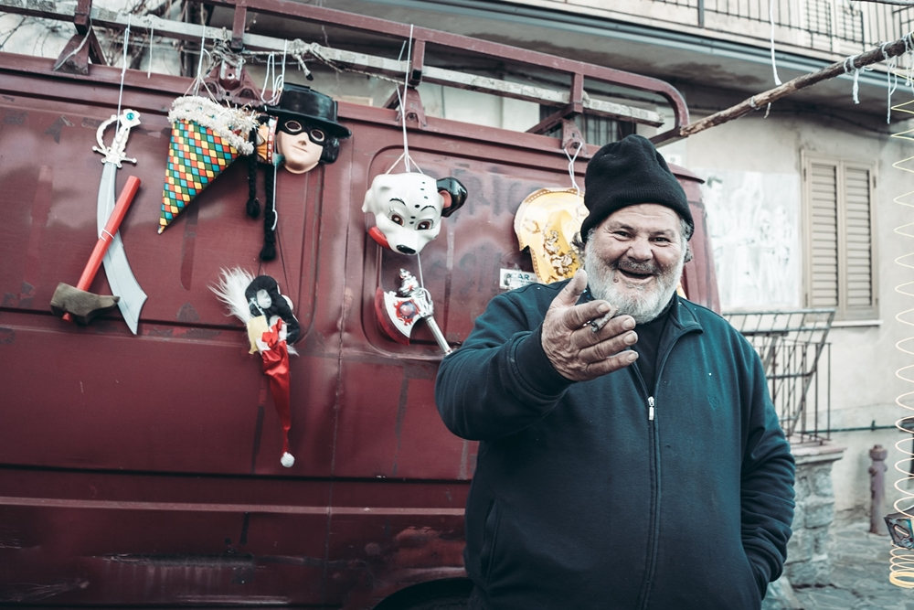 Venditore di giocattoli ad Alessandria del Carretto - Ph. © Pierluigi Ciambra