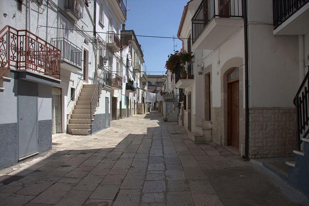 La Padula, quartiere natìo di Tusiani a San Marco in Lamis - Image source