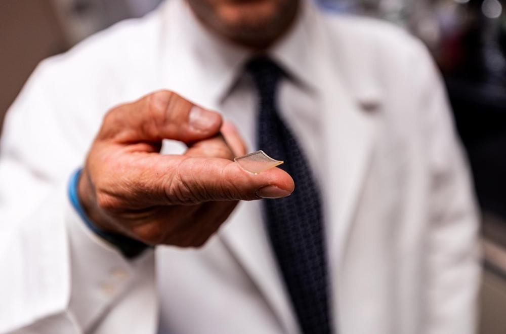 Il cerotto-vaccino con microaghi messo a punto dalla Pittsburgh University