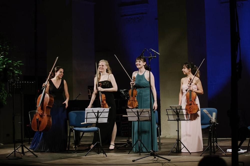 Musicisti in scena in una delle edizioni precedenti