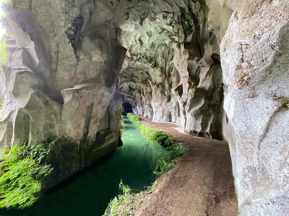 Uno scorcio della Grotta di Eolo, all'interno dell'omonima fontana - Image by Reggia di Caserta