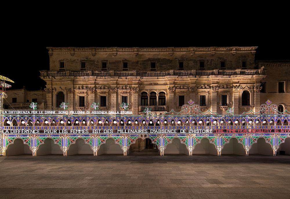 Le luminarie dei Fratelli Parise e la magnifica architettura barocca del Palazzo del Seminario - Ph. © Alessandro Garofalo