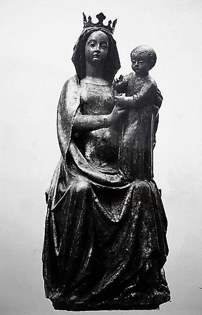 Statua lignea di Santa Maria a Parete, XIV secolo, trafugata a S. Felice a Cancello