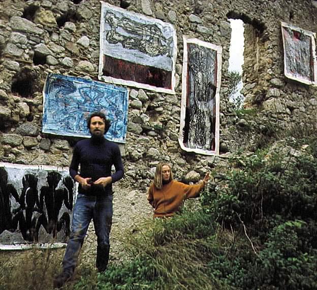 Nik e Hiske e la loro prima mostra tra le rovine del convento di S. Barbara - Image by MuSaBa