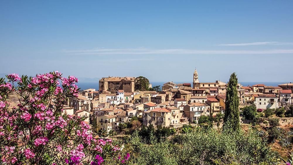 Il borgo jonico di Calopezzati (Cosenza) - Ph. © Nilo Domanico