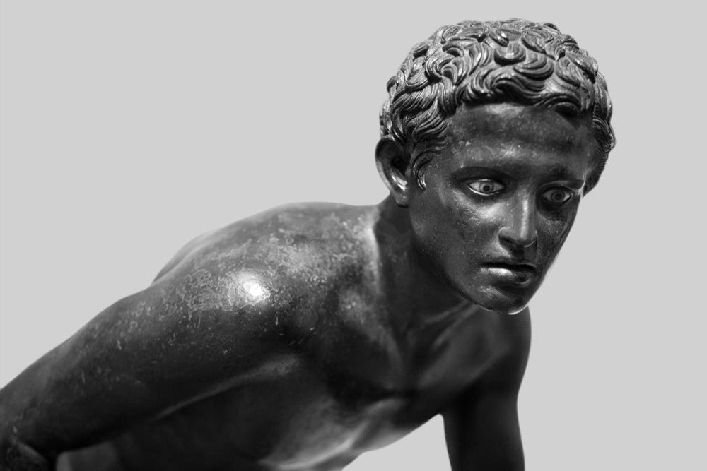 Uno dei Corridori di Ercolano, bronzo, I sec. a.C, Museo Archeologico Nazionale, Napoli