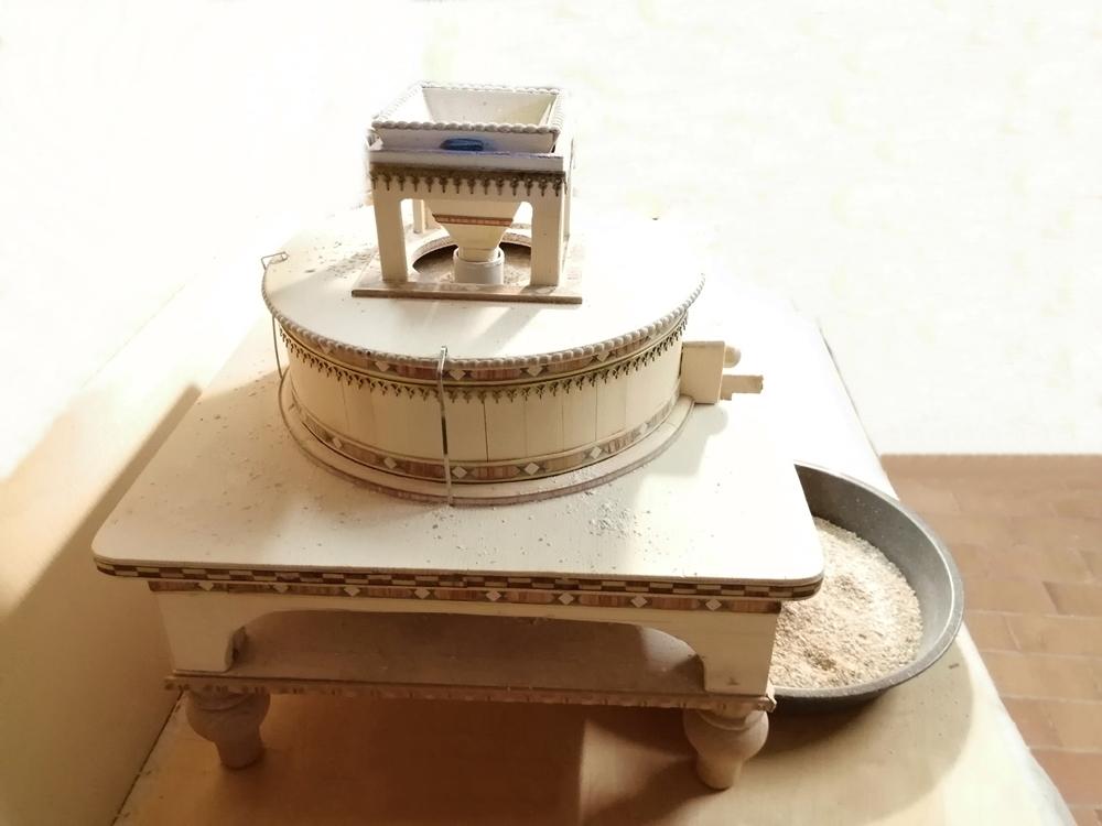 Il mulino da tavolo realizzato dal liutaio Michele Sangineto