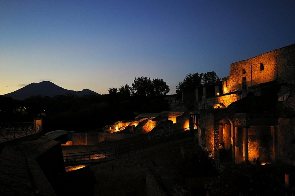 Pompei in notturna - Image courtesy Laura Noviello ©