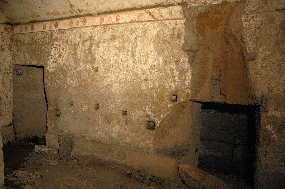 Scorcio della camera funeraria dell'Ipogeo dei Melograni - Image courtesy of Antonio Giordano ©
