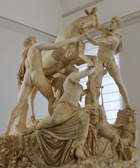 Toro Farnese, marmo, I-III sec. d.C., Napoli, Museo Archeologico Nazionale - Ph. Marie-Lan Nguyen | cc-by2.5