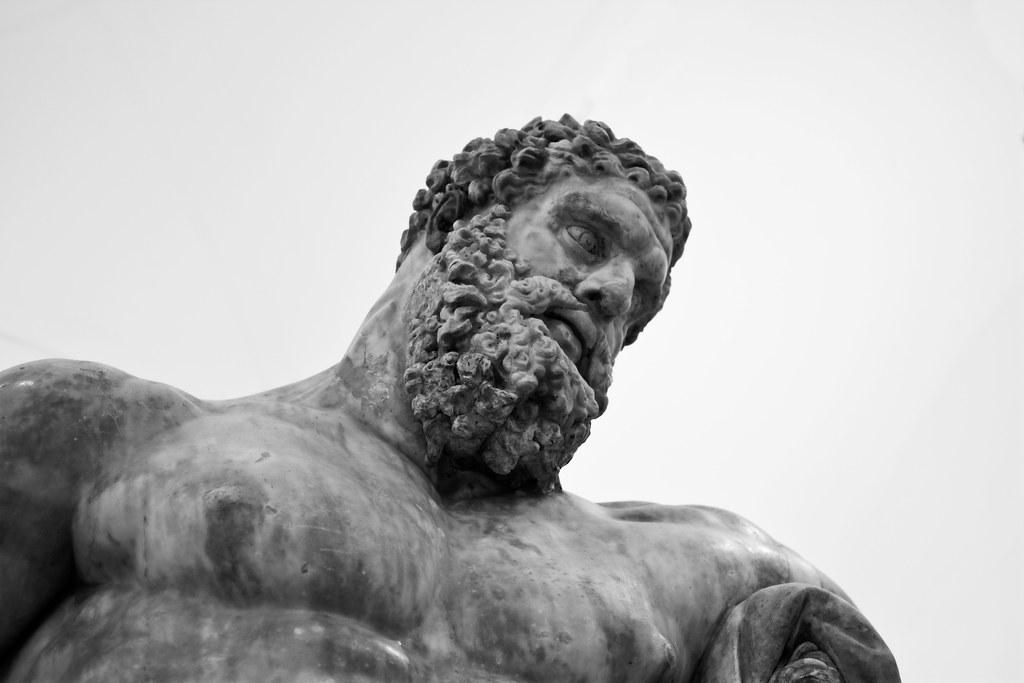 Ercole Farnese, marmo, III sec. d.C., Napoli, Museo Archeologico Nazionale - Ph. Giuseppe Savo | ccby-nc-nd2.0