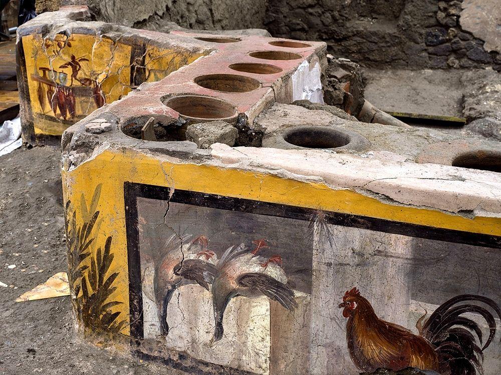 Il bancone del thermopolium, Pomepi - Ph. © Luigi Spina