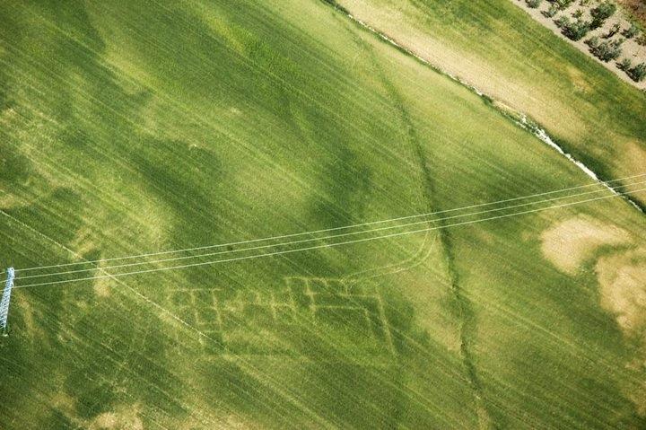 Tracce archeologiche nella Valle del Carapelle, rilevamento aereo - Image by Università di Foggia