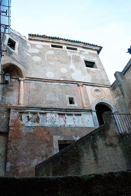 Cortile interno con colonne corinzie di Palazzo Salituri alla Giudeca, XVI sec. - Image by