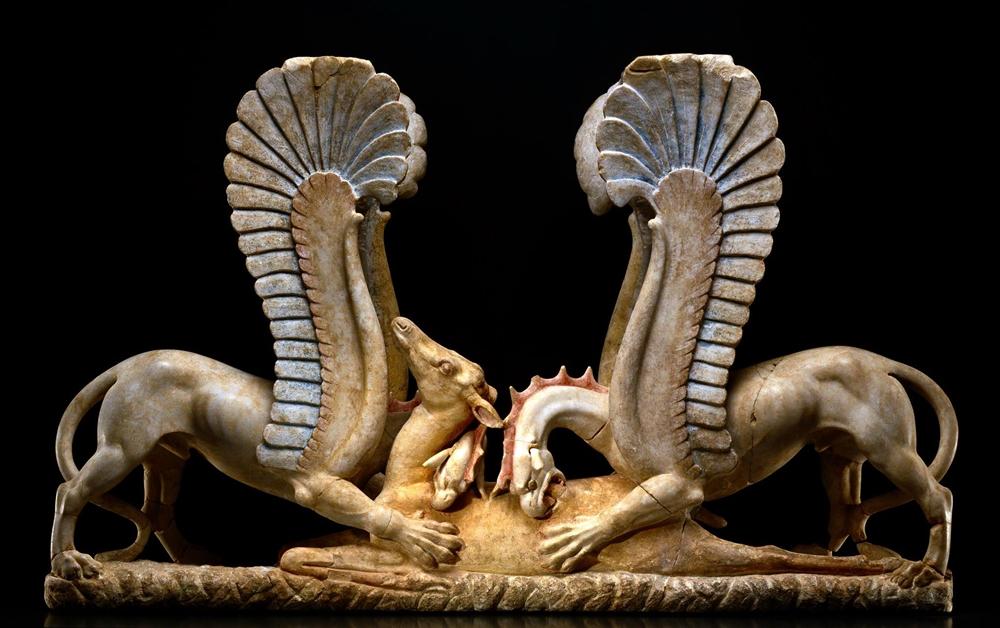 Il gruppo dei Grifoni di Ascoli Satriano, marmo di Afrodisia, IV sec. a.C.