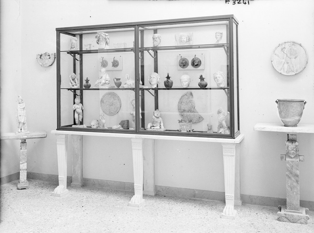 Antiquarium: scorcio di un interno nell'allestimeno del 1948