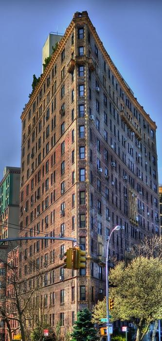 Rosario Candela, Edificio al 47 Plaza West, NY - Image source | ccby-nc-nd2.0