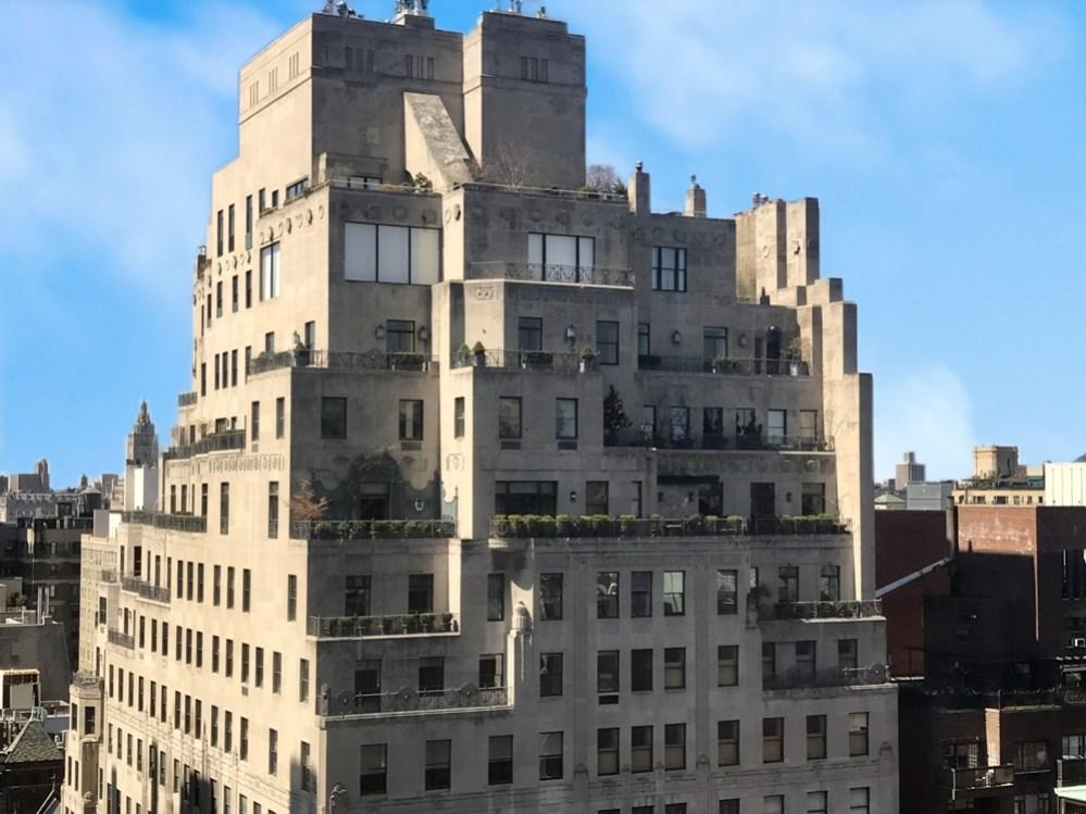 New York: il celebre edificio al 740 di Park Avenue, progettato nel 1929 da Rosario Candela insieme ad Arthur Loomis Harmon