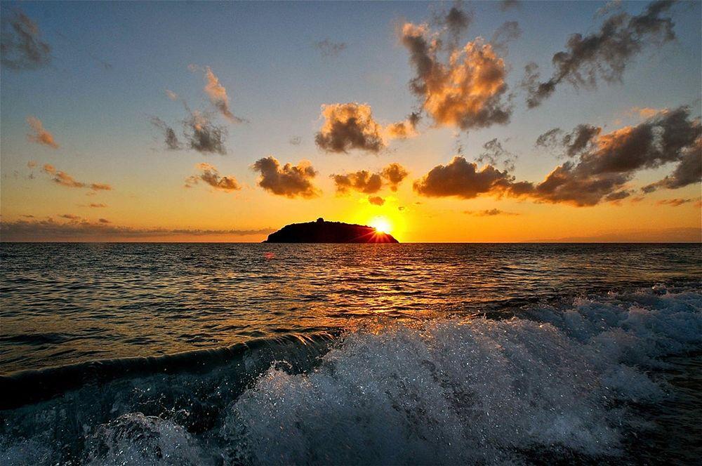 Il mare di Diamante con l'isolotto di Cirella sullo sfondo - Ph. © Stefano Contin