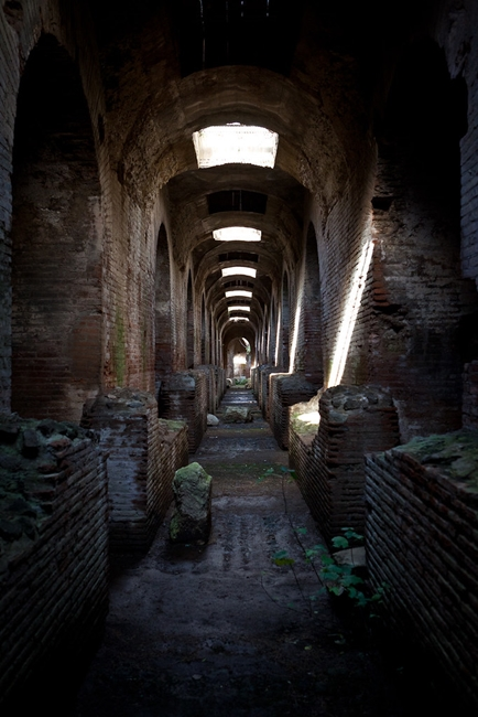 Galleria interna dell'anfiteatro di Capua, S. Maria Capua Vetere
