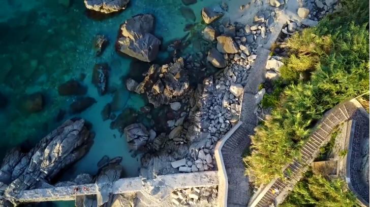 Scendendo verso la spiaggia di Michelino, Parghelìa (VV)