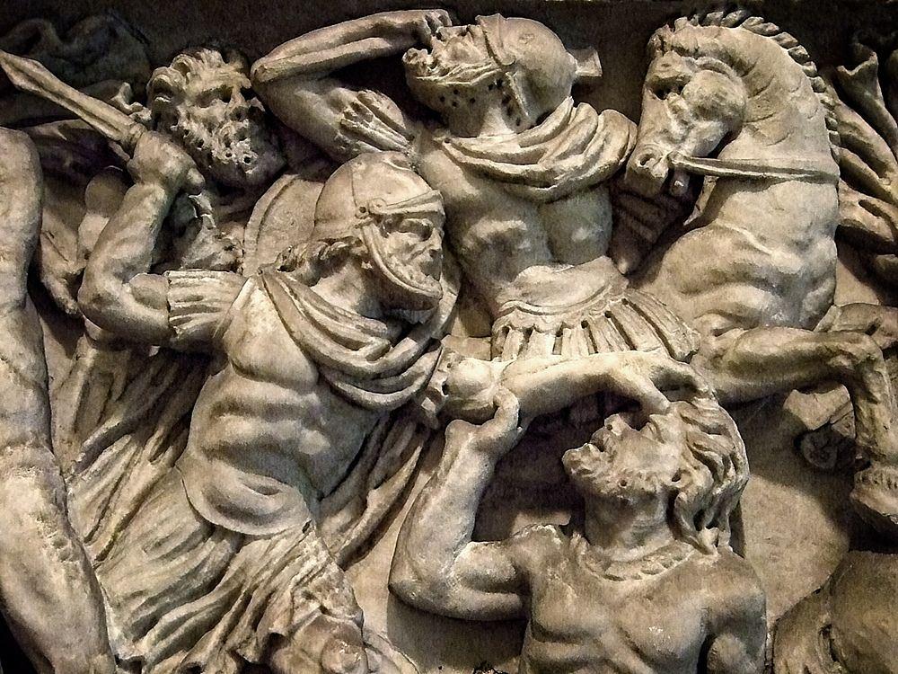 Scena con soldati romani in battaglia, rilievo marmoreo