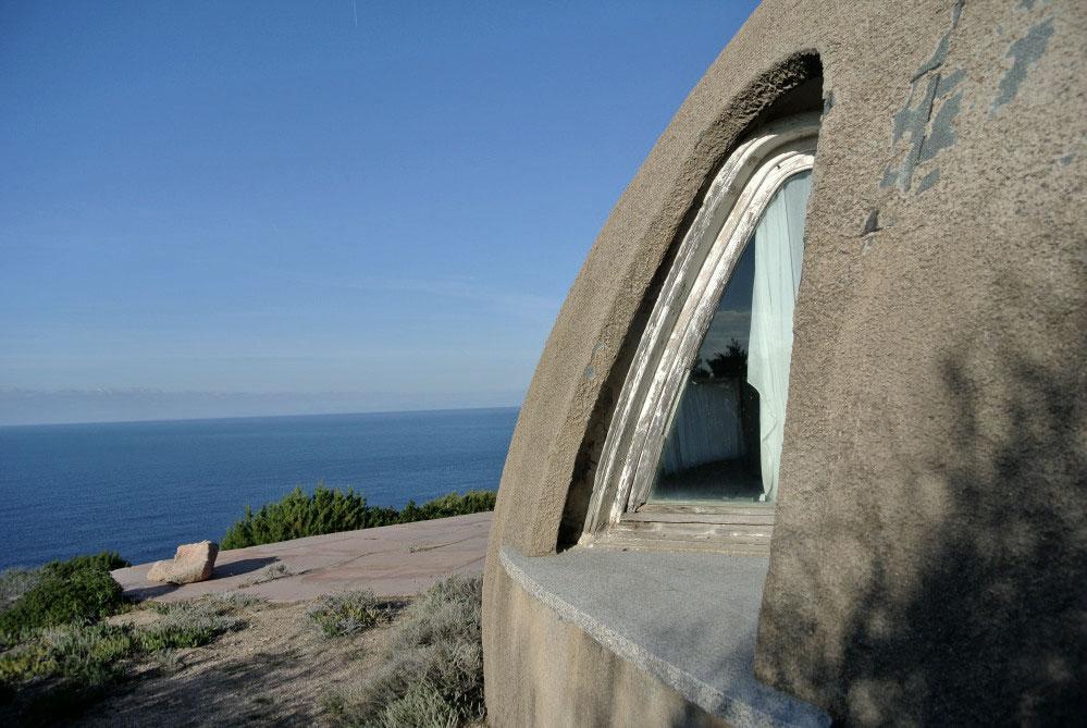 Scorcio esterno della villa con vista mare - Image by Sardegna Abbandonata