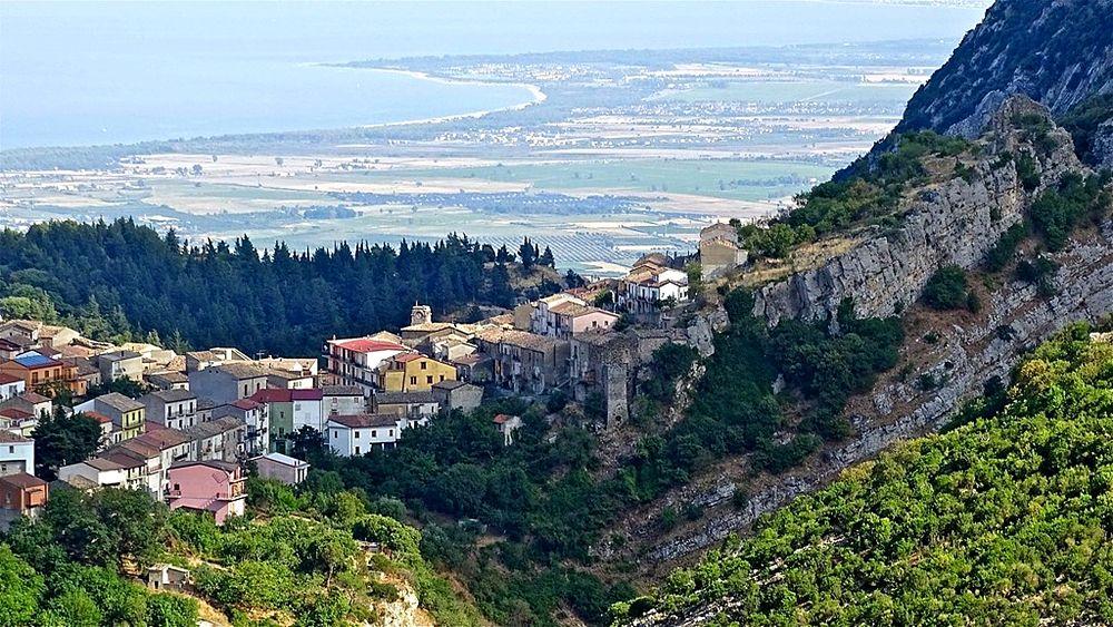 Veduta di Cerchiara di Calabria nei cui territorio si trova il Bifurto - Ph. Stefano Contin