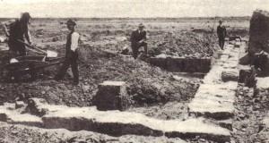 Fig. 2 - Ritrovamento del Santuario di Apollo Aleo, a Cirò Marina (Kr), l'antica Krimisa
