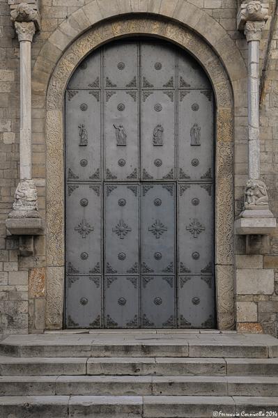 Basilicata - Portale della Cattdrale di Acerenza (Matera) – Ph. © Ferruccio Cornicello