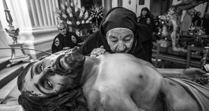 La Settimana Santa in Puglia in quarantacinque scatti suggestivi. In mostra a Taranto le immagini di Carlos Solito