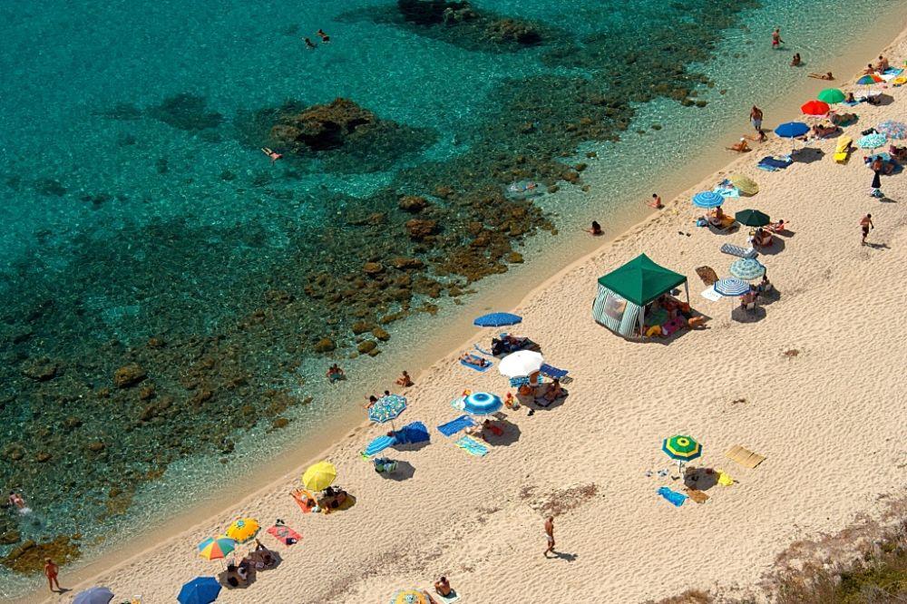 Calabria - La spiaggia di Grotticelle, a Capo Vaticano, Ricadi (Vibo Valentia) - Ph. Marco Lazzaroni   CCBY2.0