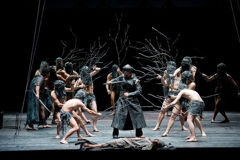 Una scena del Macbeth di Giuseppe Verdi, con la regia di Giancarlo Cobelli ripresa da Lydia Biondi
