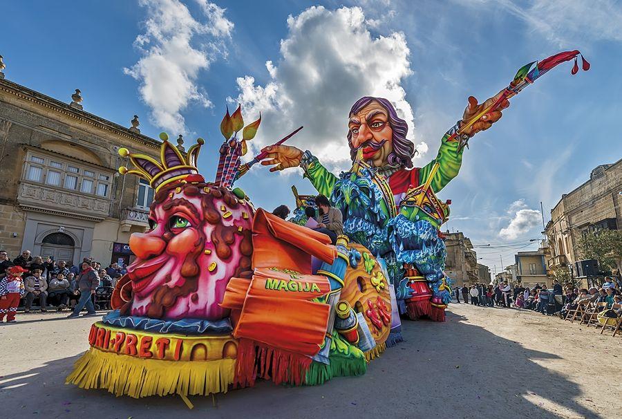Malta - Un carro del Carnevale di Gozo rende omaggio al pittore calabrese Mattia Preti - Ph. Daniel Cilia per Racconta il tuo Sud
