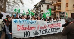 Uniti contro le trivellazioni nello Jonio: oltre 5 mila i manifestanti a Corigliano per dire NO