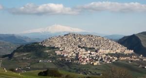 Il Borgo dei Borghi. Il Sud domina la classifica: vince Gangi, seconda Bosa, terza Santa Severina