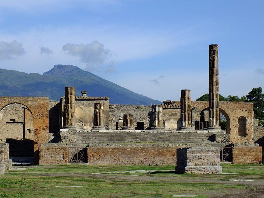 Campania - Scorcio dell'area archeologica di Pompei (Napoli) - Ph. Chris Parker | CCBY2.0