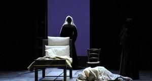 """Presentata in conferenza stampa al Teatro Petruzzelli di Bari l'opera """"I Dialoghi delle Carmelitane"""", capolavoro di Francis Poulenc"""
