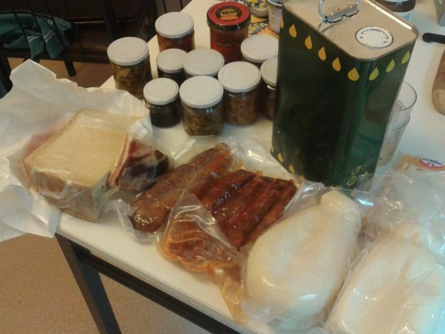 Rosario Parise's food mamma providing