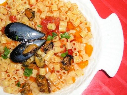 Zuppa_ditalini_tubetti_pasta_con_le_cozze01