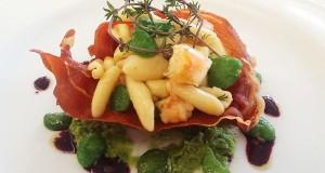 Capicollo grecanico con cavatelli in salsa di fave verdi sgusciate e gamberi dello Jonio