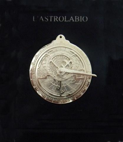 L'astrolabio in memoria dell'astronomo Luigi Lilio, opera di Mimmo Cozza